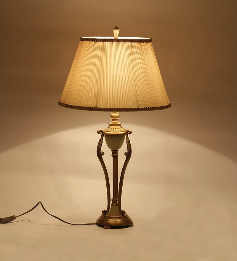Antique brass finish onyx table lamp with round pleated for Living room lamp shades